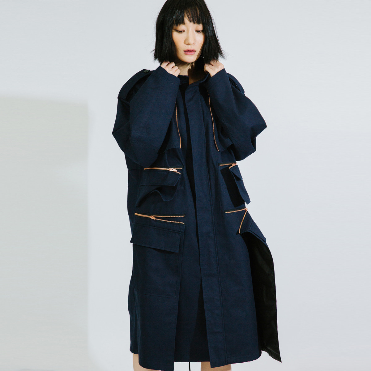 NAVY ZIP DETAILED MILITARY COAT