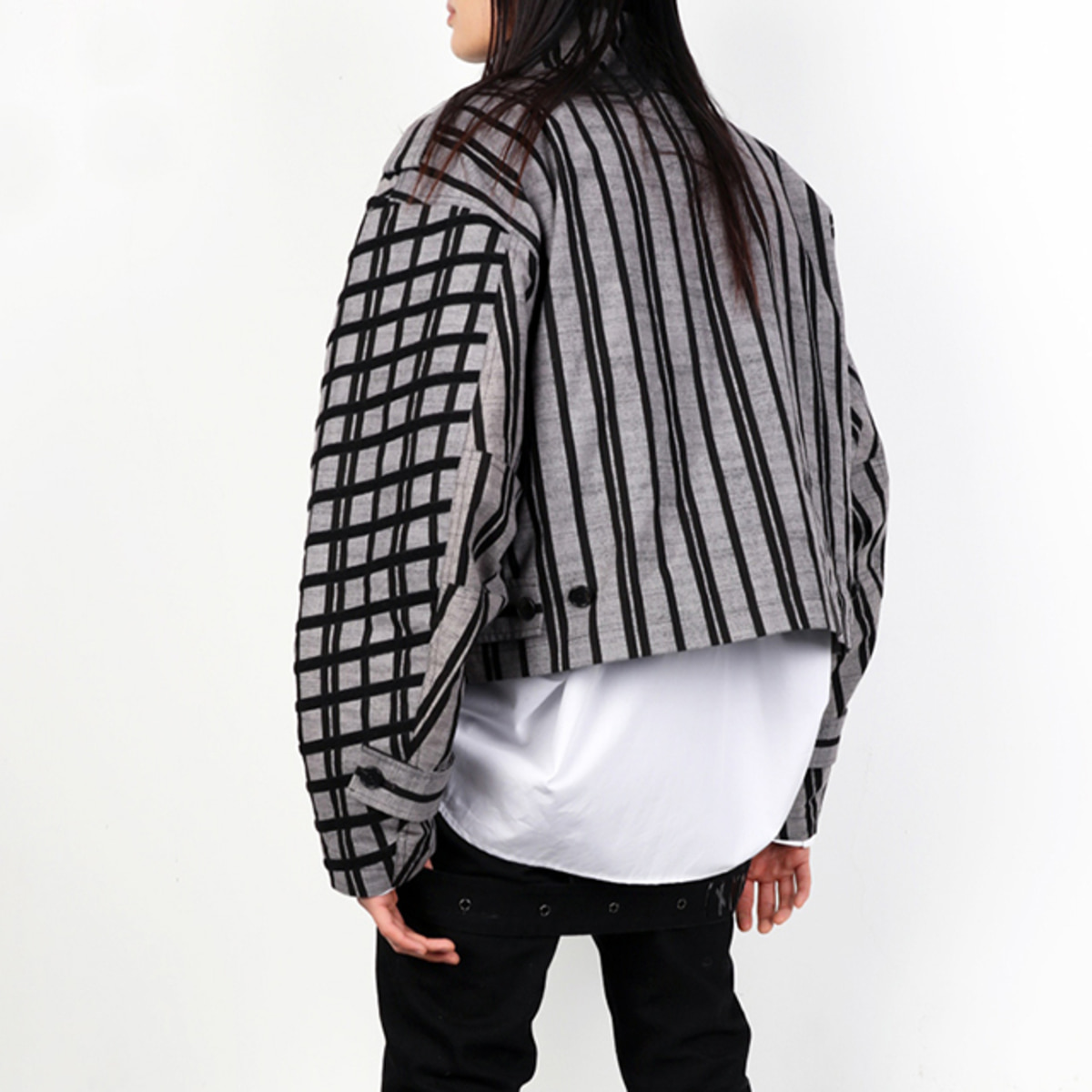 CHAOS DIAGONAL STRIPED CROP JACKET (DZFW19_OT_JK05)
